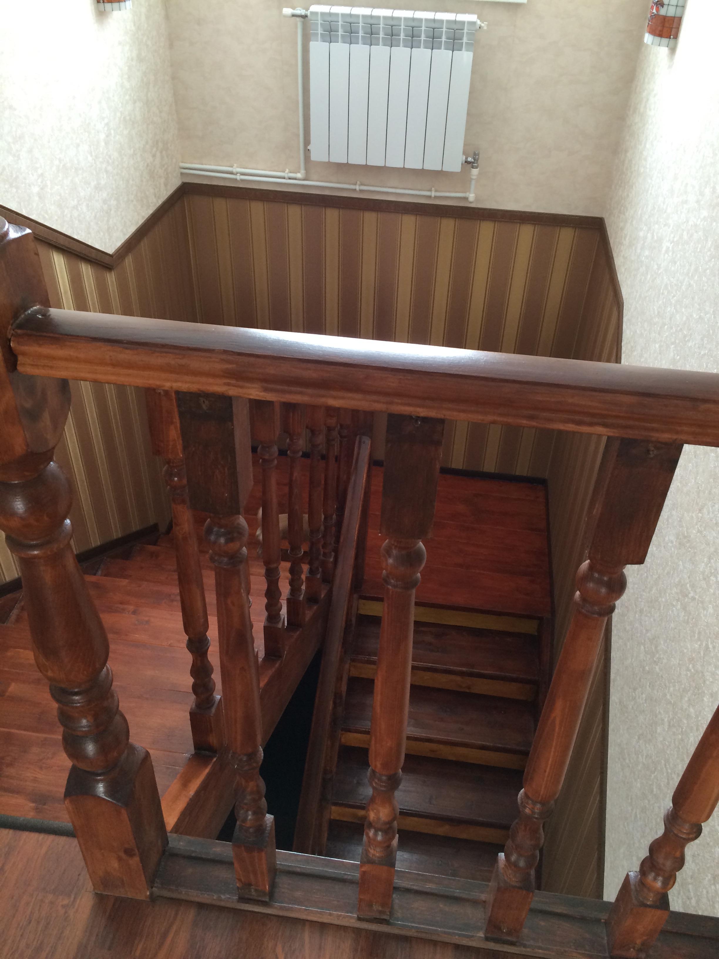 самодельная лестница в двухэтажном доме