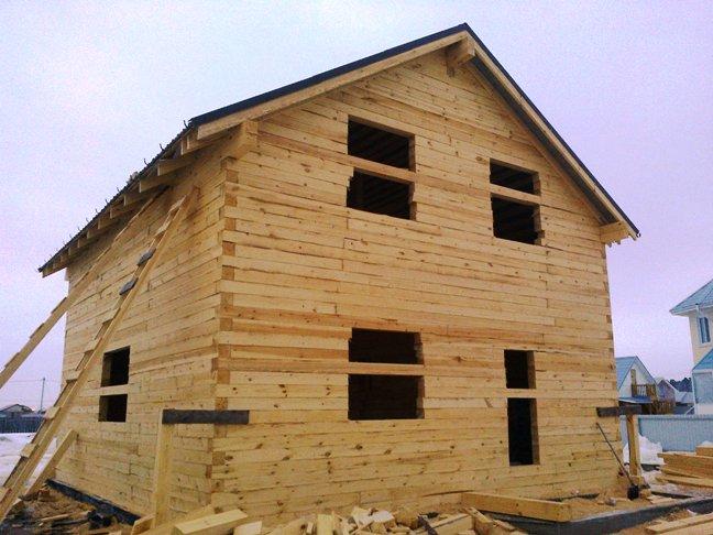 Строим дом из бруса зимой. Дом под крышу