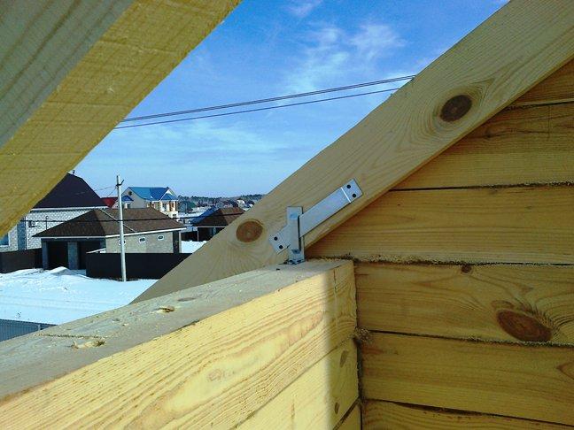Строим дом из бруса зимой. монтаж стропил